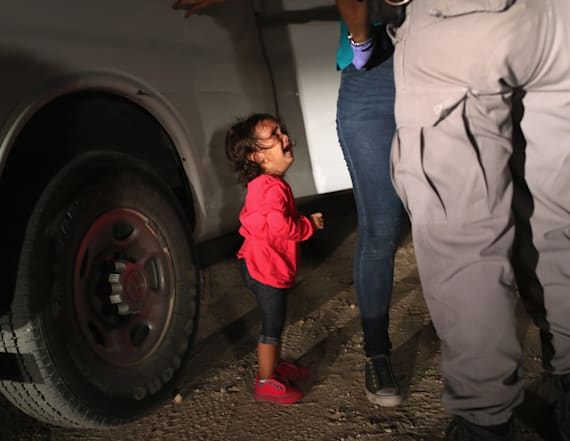WH accuses Dems, media of exploiting toddler photo