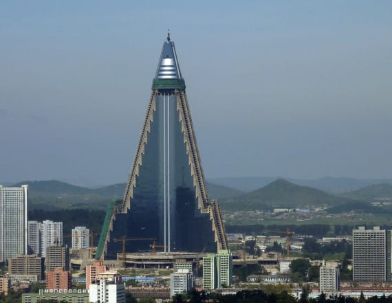 N. Korea's 'Hotel of Doom' shows signs of activity
