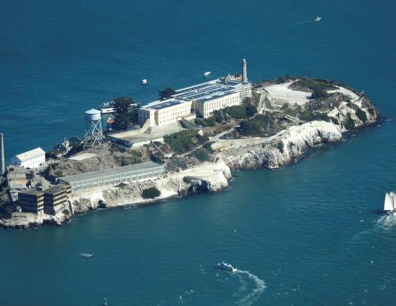 Ferry helps Alcatraz escape from government shutdown