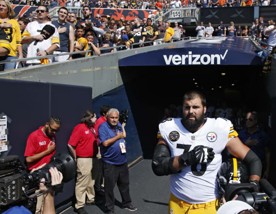Steelers' Villanueva apologizes for anthem incident