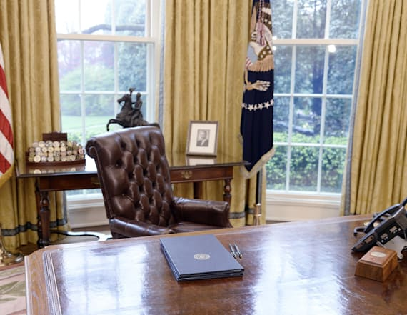 Report: Trump huddled with Drudge in Oval Office