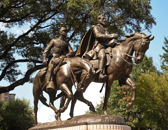 University of Texas moving four Confederate statues