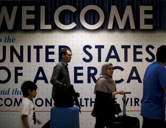 WH asks Supreme Court to allow full travel ban