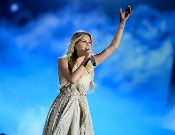 Kelsea Ballerini performs 'Peter Pan' at CMAs