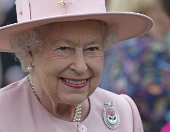The queen will supposedly only wear one nail color