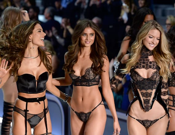 4 VSFS models are denied Chinese visas