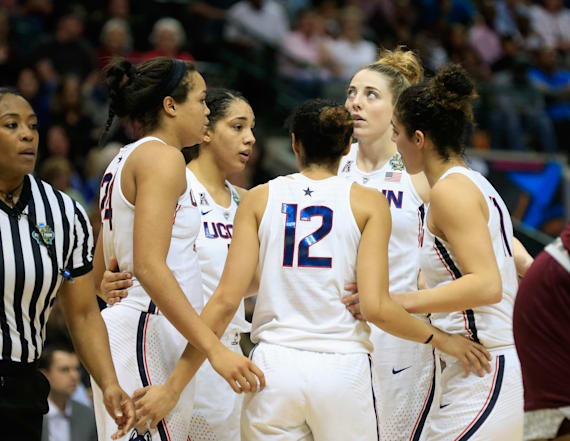 UConn's streak comes to an end in controversial loss