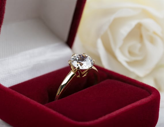 15 engagement ring accounts you have to follow