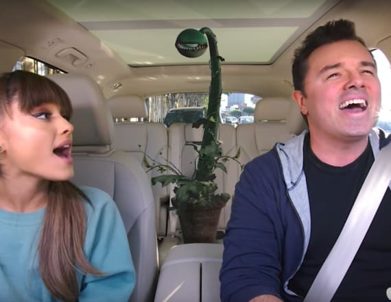 Ariana Grande, Seth MacFarlane do 'Carpool Karaoke'