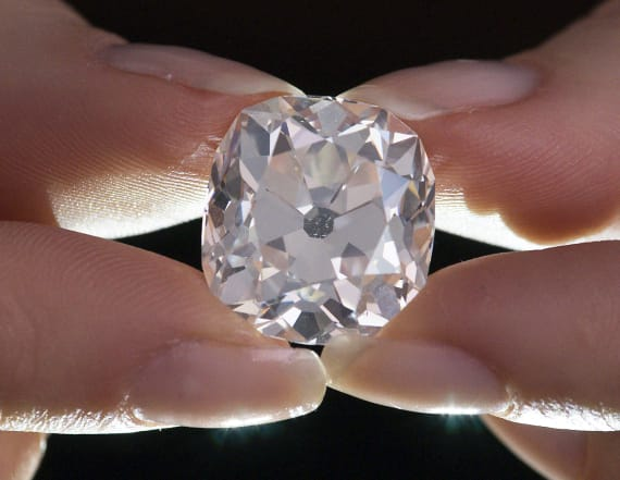 Woman finds out her fake ring is a real diamond