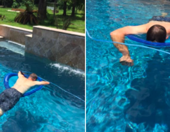 Dad's genius pool nap hack lights up Twitter