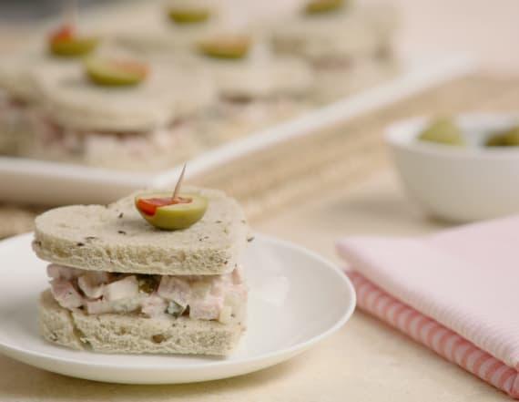 Best Bites Bridal: Heart-shaped ham sandwiches