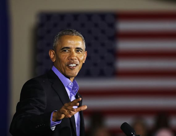 Crowd greets Obama by chanting 'four more years'