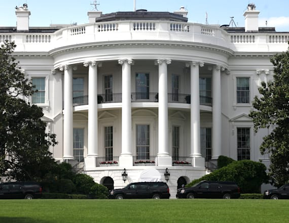 White House considering crisis management team