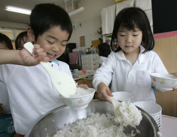 Japan offers mouthwatering lunches to its students