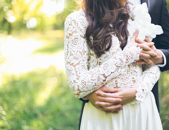 What your wedding date says about your marriage