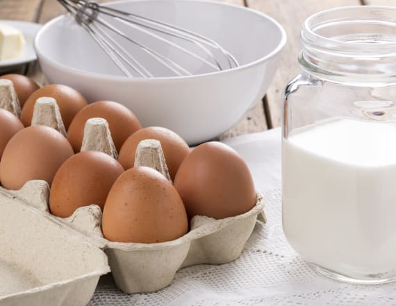 You've been removing eggs from the carton wrong
