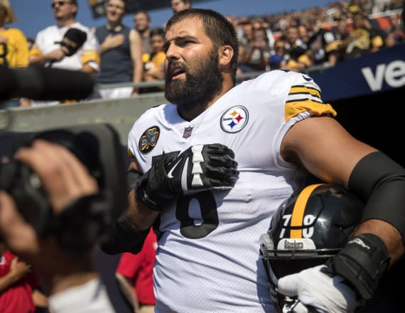 Steelers' Alejandro Villanueva gear is best-selling