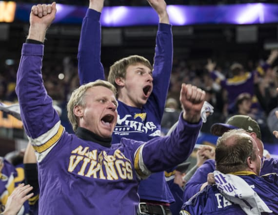 Vikings fans celebrate game-winning touchdown