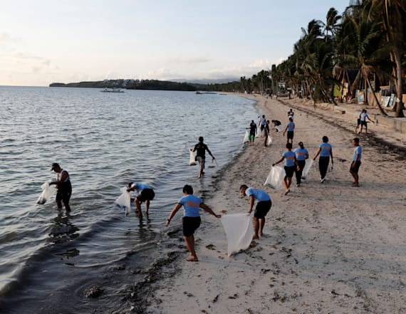 Philippines' Boracay empties for makeover
