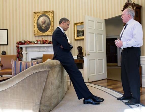 Photo captures moment Obama learned about Sandy Hook