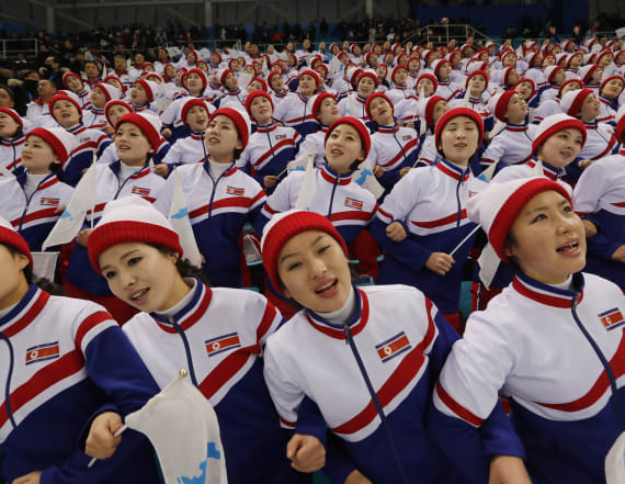 Ex-North Korean cheerleader recounts experience
