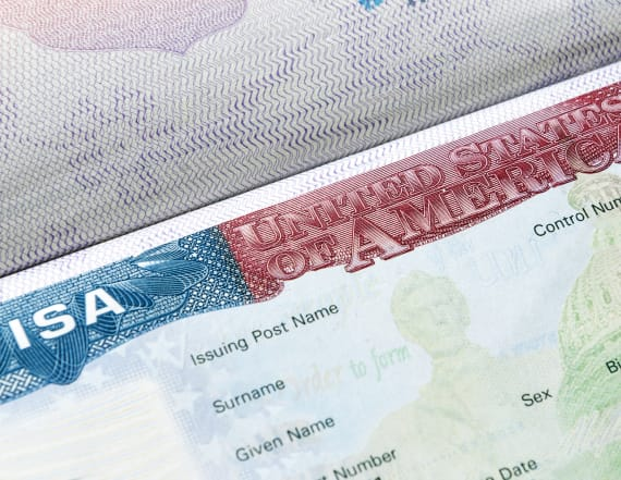 600,000 immigrants overstayed their visas in 2016