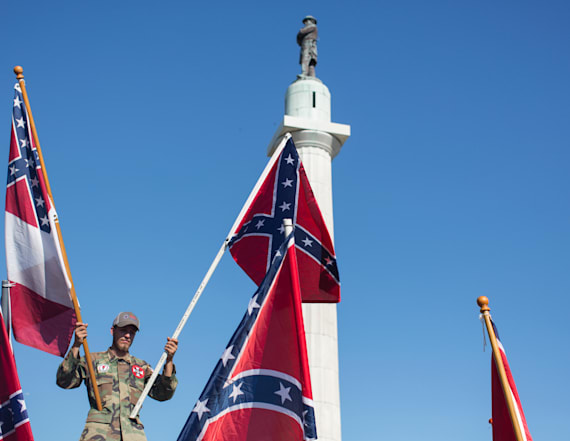 Hundreds of Confederate symbols remain across US