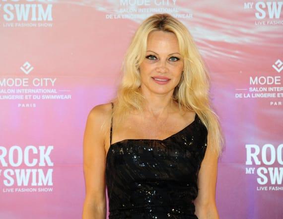 Pamela Anderson suffers wardrobe mishap