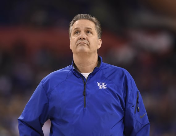 Kentucky out of AP poll for first time since 2014