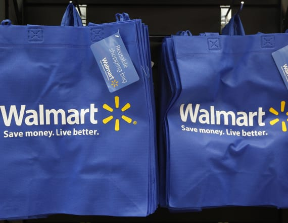 Walmart building 'online mall' to threaten Amazon