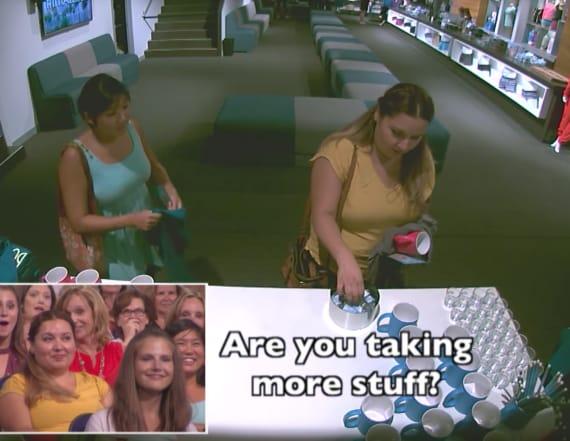 Ellen shames audience member for stealing