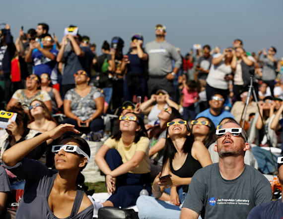 Post eclipse headaches cause Americans to freak out