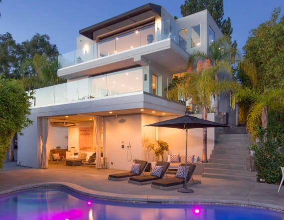 Harry Styles lists LA bachelor pad for $8.495M