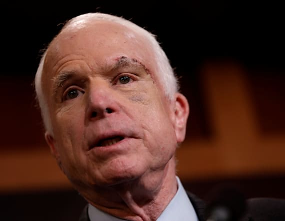 McCain returning to Arizona for cancer treatment