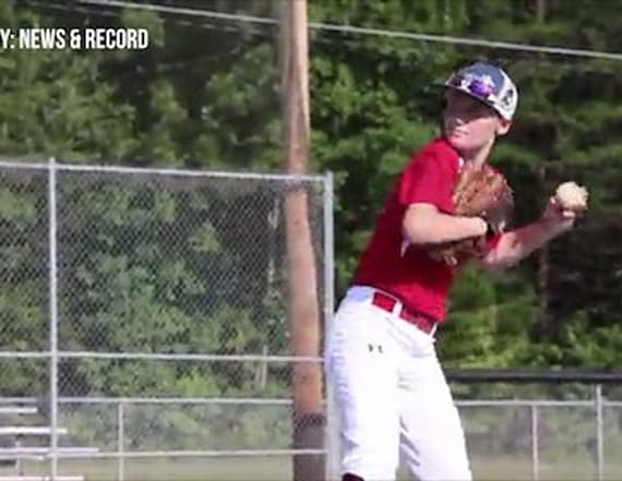One-handed girl, 14, thrives on boys' baseball team