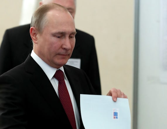 Exit poll indicates landslide election win for Putin
