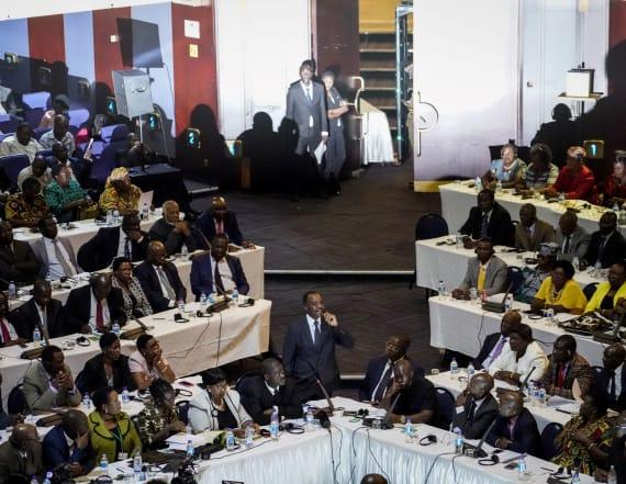 Zimbabwe's Mugabe resigns, ending 4 decades of rule