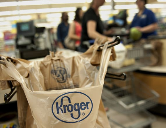 Kroger shows new moves in grocery delivery