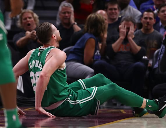 Hayward suffers horrific leg injury in NBA opener