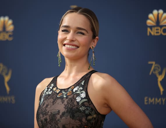Emilia Clarke dons new haircut