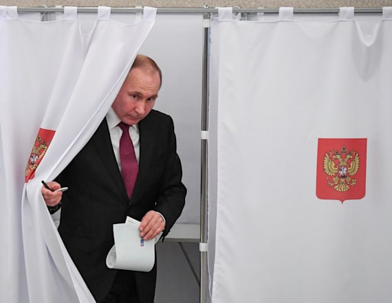 Putin on track to win as Russians head to polls