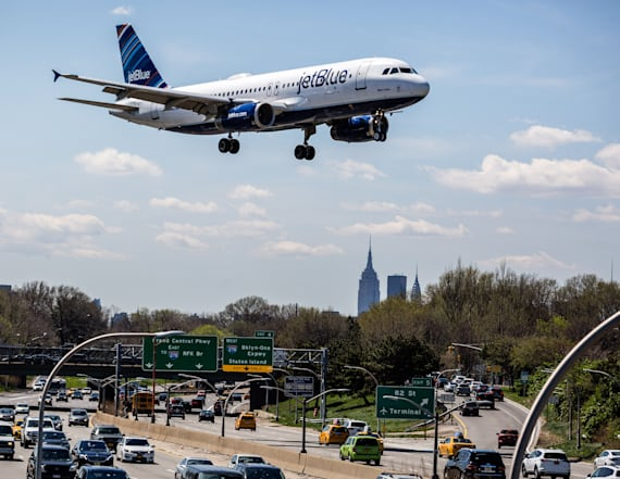 JetBlue toppled from customer satisfaction rankings