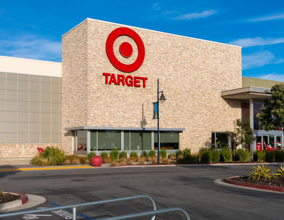 Target reaffirms 2018 outlook, makes online push