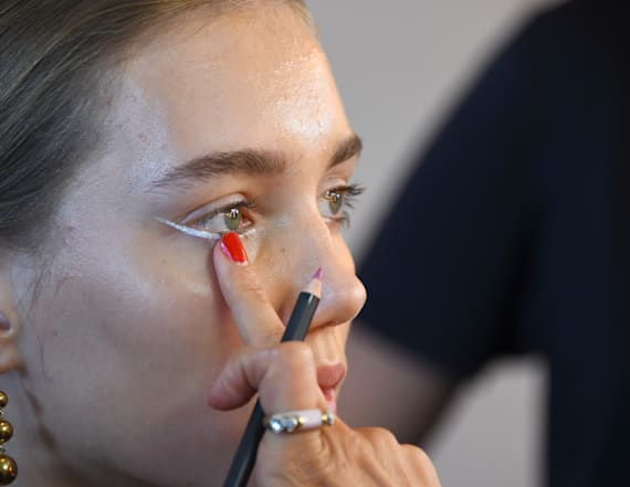 15 stunning beauty looks from NYFW
