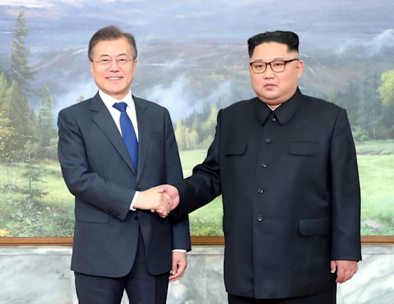 Report: North, South Korean leaders meet