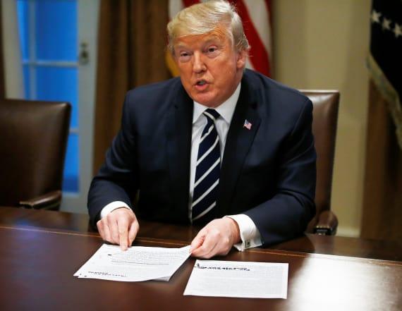Trump says he misspoke in Helsinki
