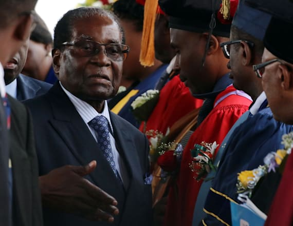 Mugabe defies demands to quit as Zimbabwe's leader