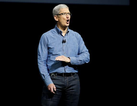 Apple issues $2.5K bonuses after tax law