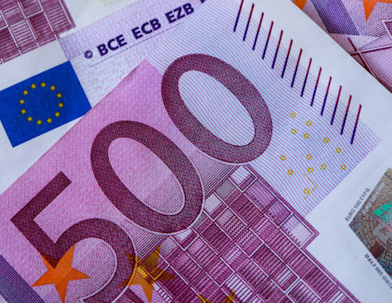 Swiss toilets found clogged with 500-euro banknotes